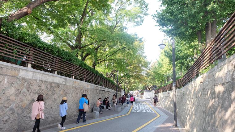 Lối vào đường Sasamcheongdong