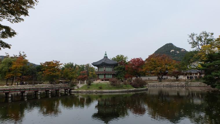 Hồ Hương VIễn - Hyangwonjeong Pavilion
