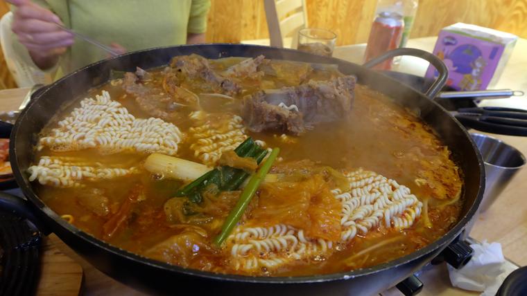 Ăn trưa gần Changedokgung